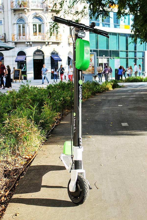 Modelo da Trotinete Elétrica Lime-S em Lisboa